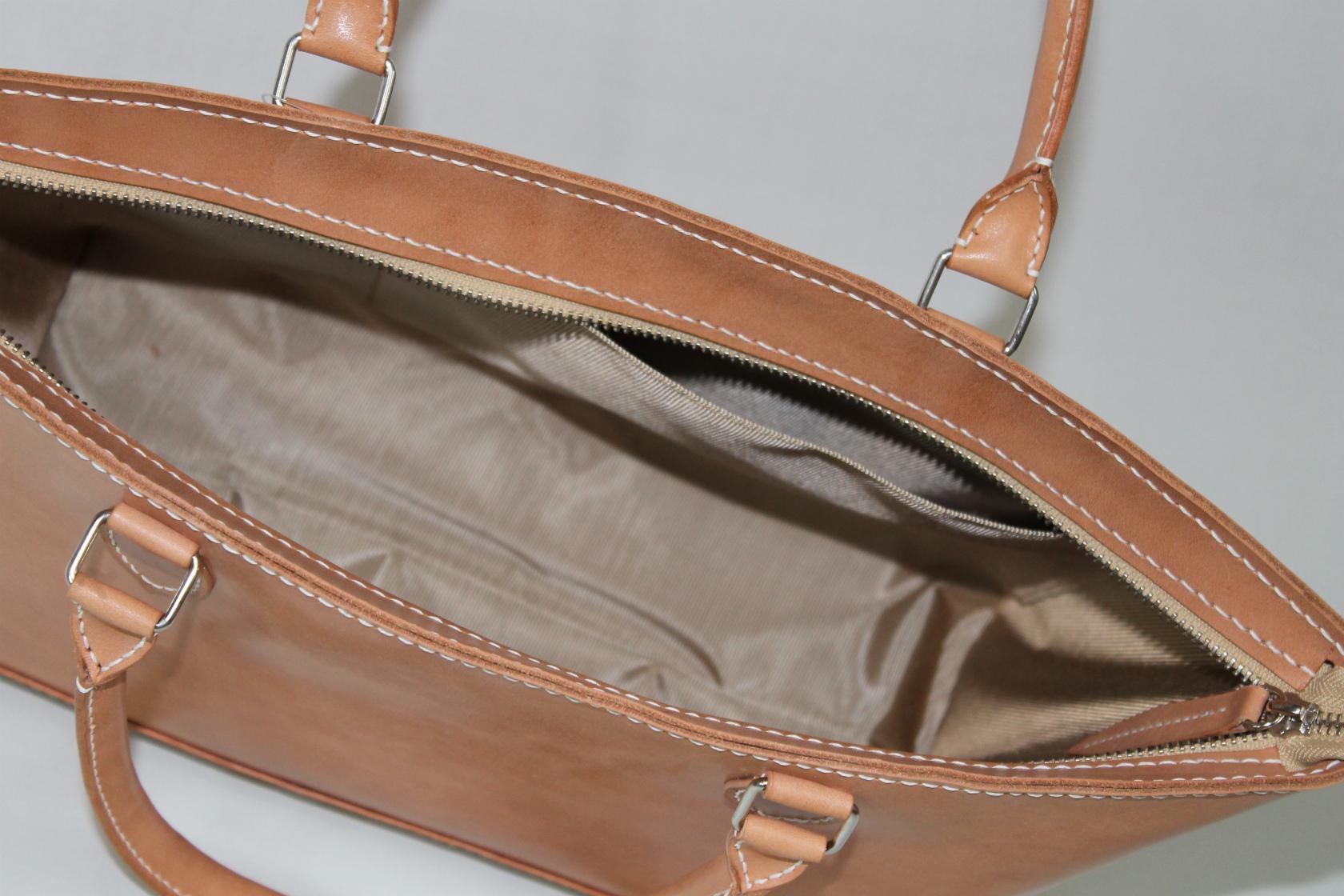 牛本革総手縫ファスナートートバッグ